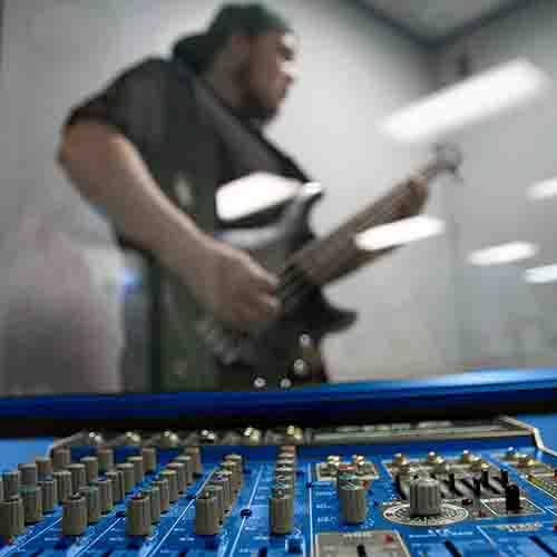 Bass guitarist in Eckel Studio